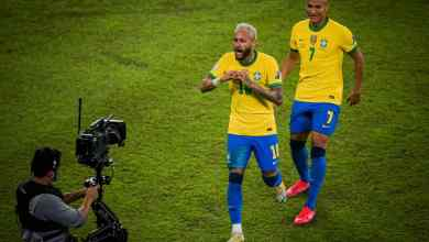Photo of Brazil continues to dazzle on home soil with win over Peru