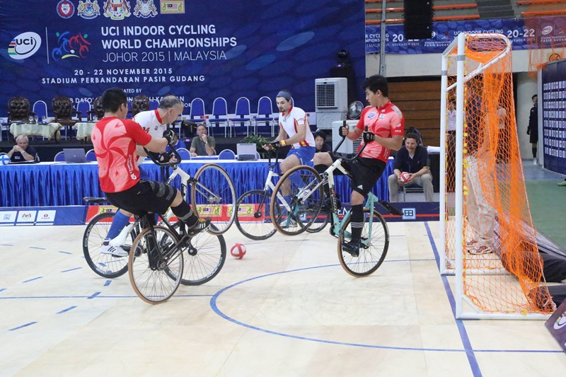 20151121-02cyclingball