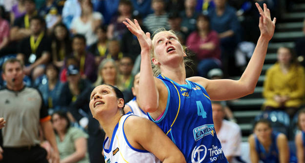 Canberra star Abby Bishop: photo courtesy of John Preller and WNBL.com.au