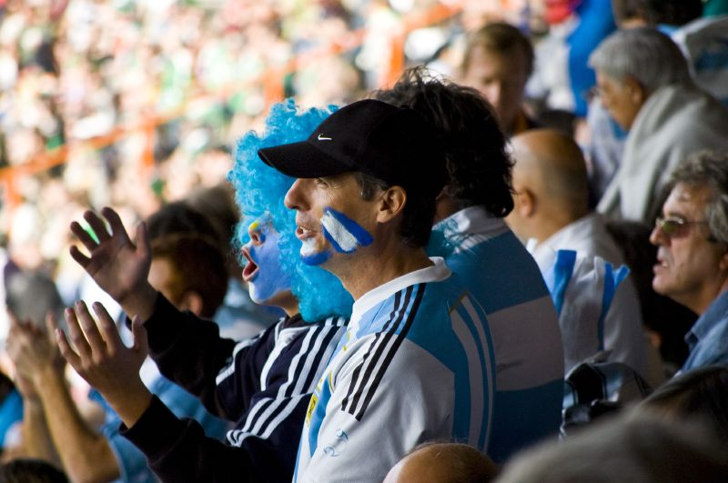 Argentina_rugby_union_national_team_fans_2007_world_cup