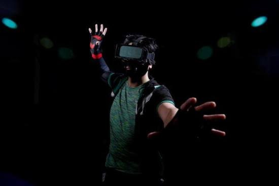 TN01–Japanese-Inventors-Create-Superhuman-Sports-With-VR-2017-05-15-001