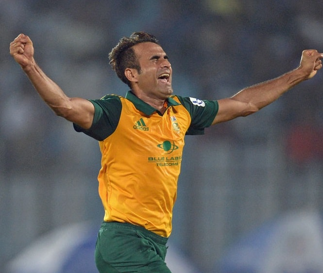 Imran Tahir celebrates Tom Cooper's wicket