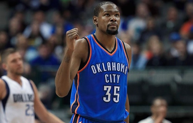 Kevin Durant in action for the Oklahoma Thunder against the Dallas Mavericks