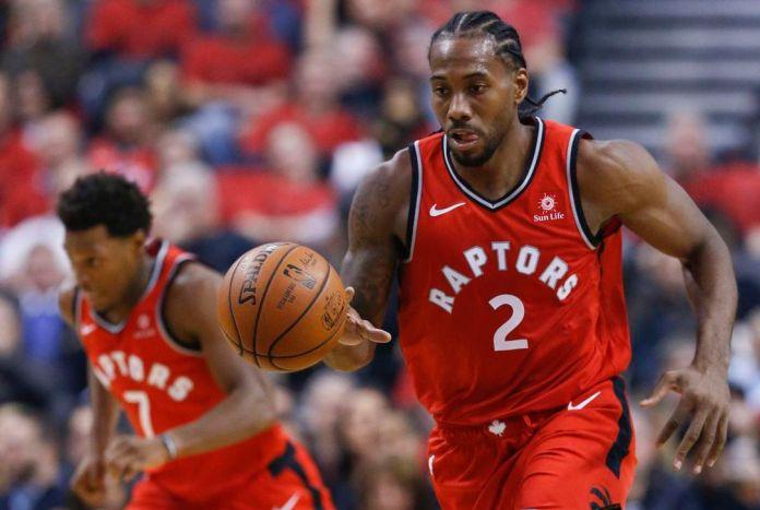 Kawhi Leonard playing for Toronto Raptors