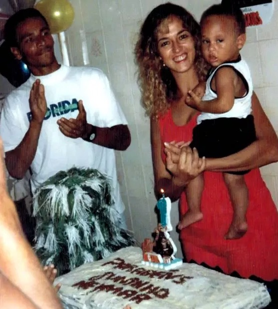 Neymar Jr Childhood Photo with his parents