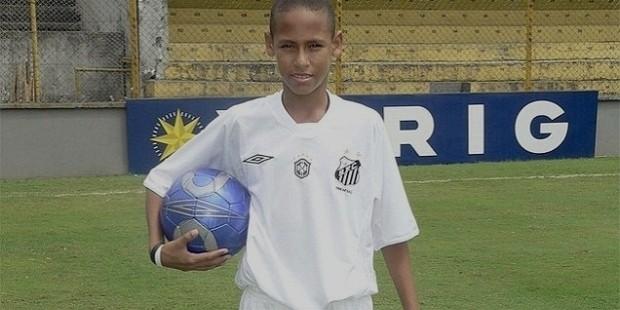 Neymar Playing for Santos FC Youth Academy