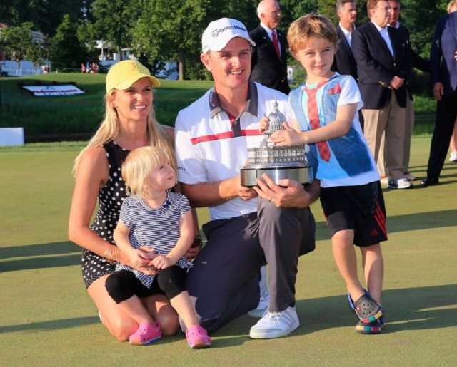 Photo of Justin Rose with his wife and kids