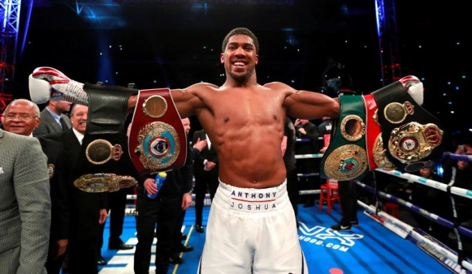 Anthony Joshua defeats Alexander Povetkin