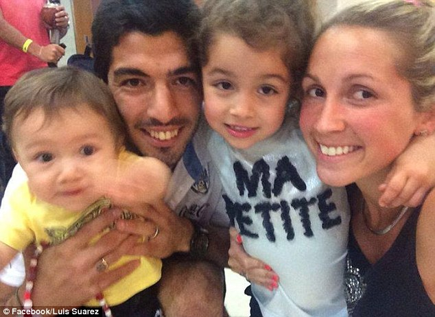 Luis Suárez with his wife and kids