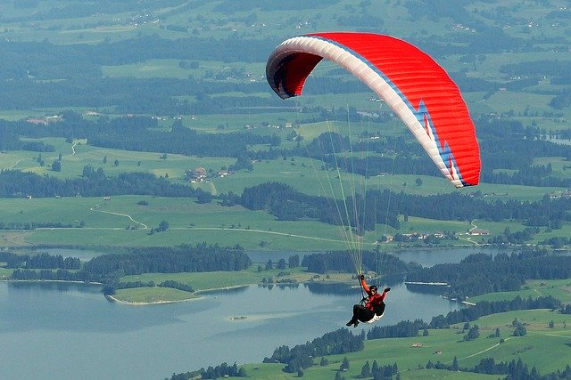 Extreme Sports - Paraglider