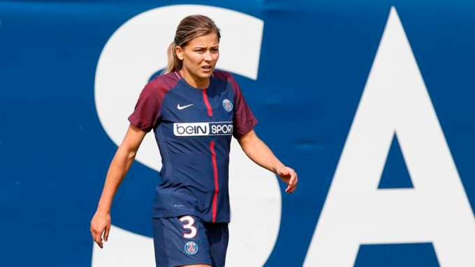 Laure Boulleau - Female Football Soccer Player