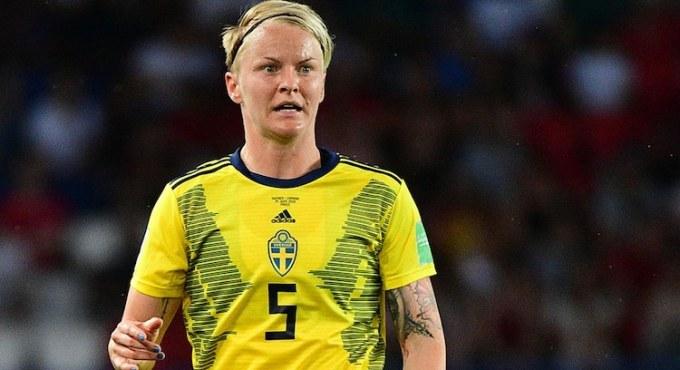 Nilla Fischer - Female Football Soccer Player