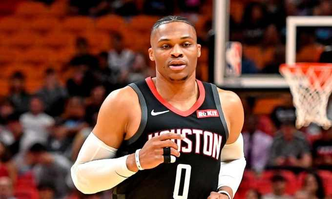 Russell Westbrook Net Worth – Photo with Houston Rockets