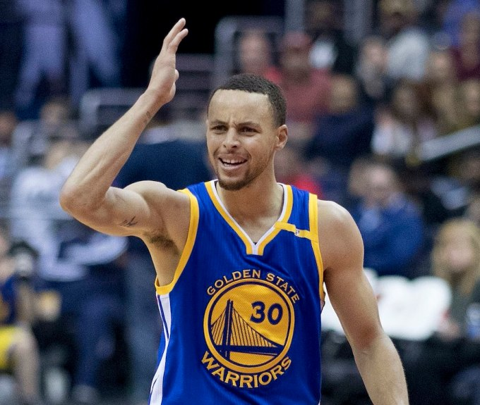 Stephen Curry Net Worth – Photo with the Warriors