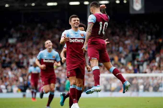 West Ham United's Manuel Lanzini celebrates