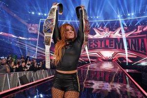 Top-10 Highest-Paid Female WWE Wrestlers 2020