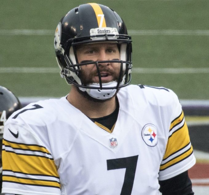 NFL Record – Ben Roethlisberger Two-Game Streak with at Least Six Touchdowns