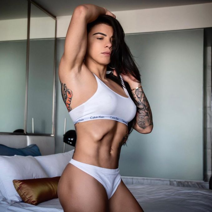Claudia Gadelha – Hottest Female Fighter