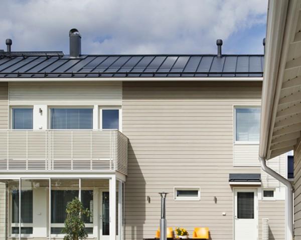 Sisteme solare integrate în acoperiş, sau cum acoperişul îţi poate plăti o parte din facturi