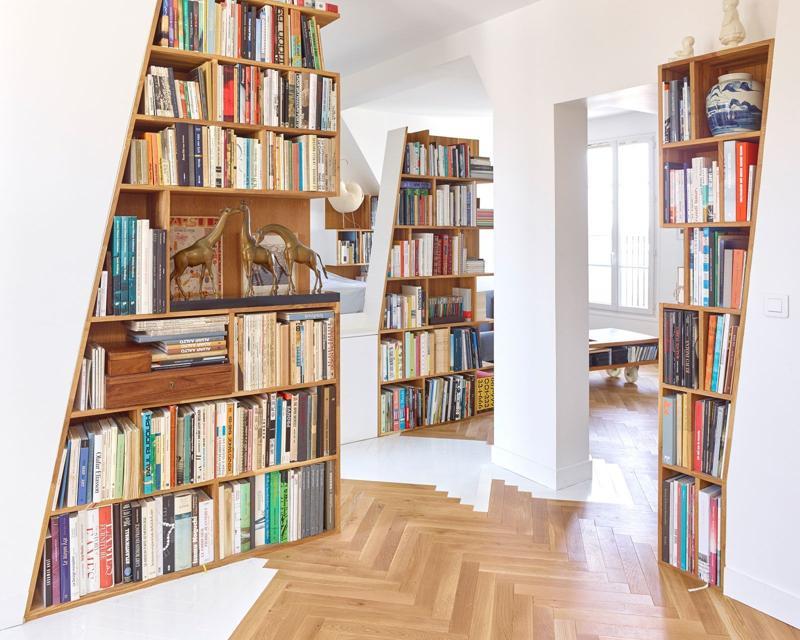 Când nu te poţi lipsi de cărţile tale: 3 amenajări cu rafturi pentru cărţi