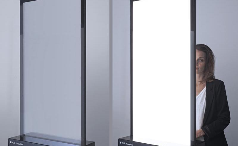 ALED Privecy Plus, foaia de sticlă care oferă lumină şi intimitate printr-o atingere de buton