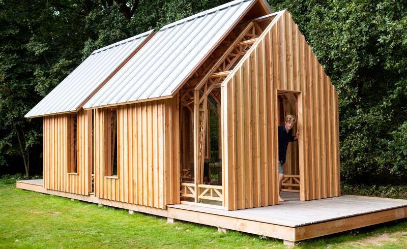 Căsuţă de grădină adaptabilă, cu pereţi culisanţi