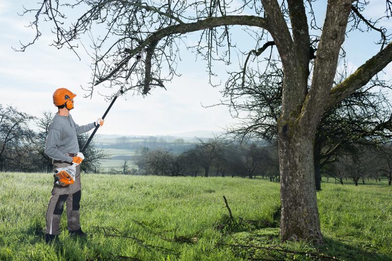 Emondorul de înălțime HT 56 C-E de la STIHL. Un utilaj inovativ pentru îngrijirea pomilor
