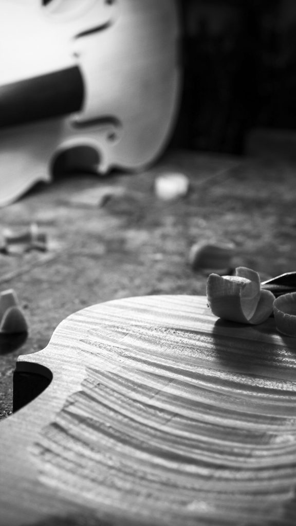 Detail of the violin woodcarving process | Windows 10 ...