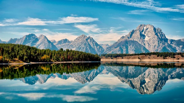 Mount Moran reflection in Jackson Hole, Wyoming, USA ...