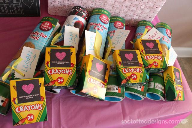 Pinwheel first birthday party: Kid favors #birthdayparty | spotofteadesigns.com