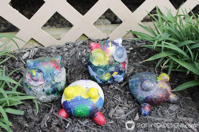 Mothers Day Kids Craft - painting rock pets garden stones | spotofteadesigns.com