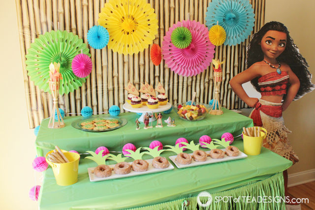Moana Party Printables including cupcake toppers and favor bags. Download for personal use for free!   spotofteadesigns.com