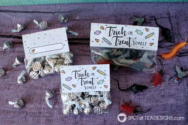 Halloween Party Printables - Trick or treat yo'self bag toppers | spotofteadsigns.com