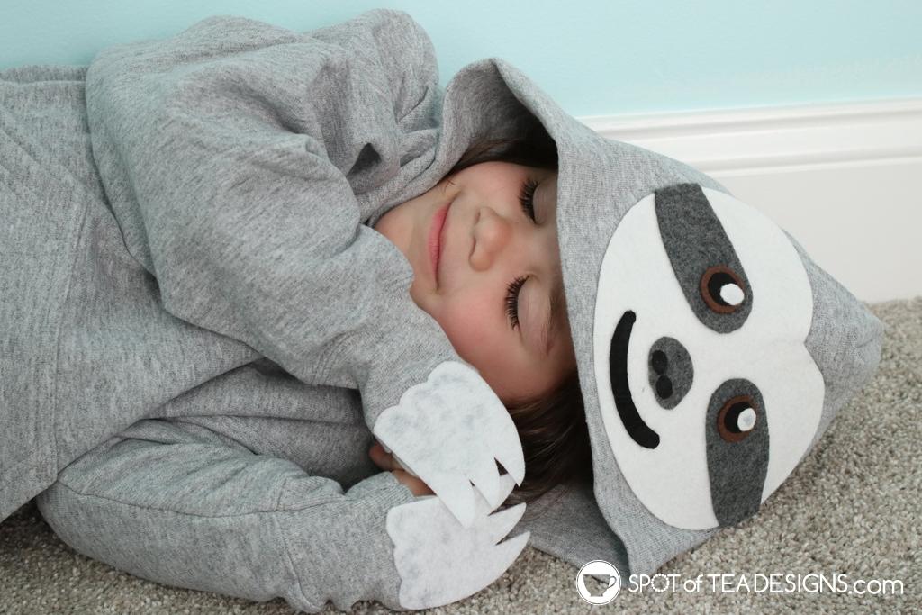 DIY Hoodie for fall - Sloth Hoodie | spotofteadesigns.com