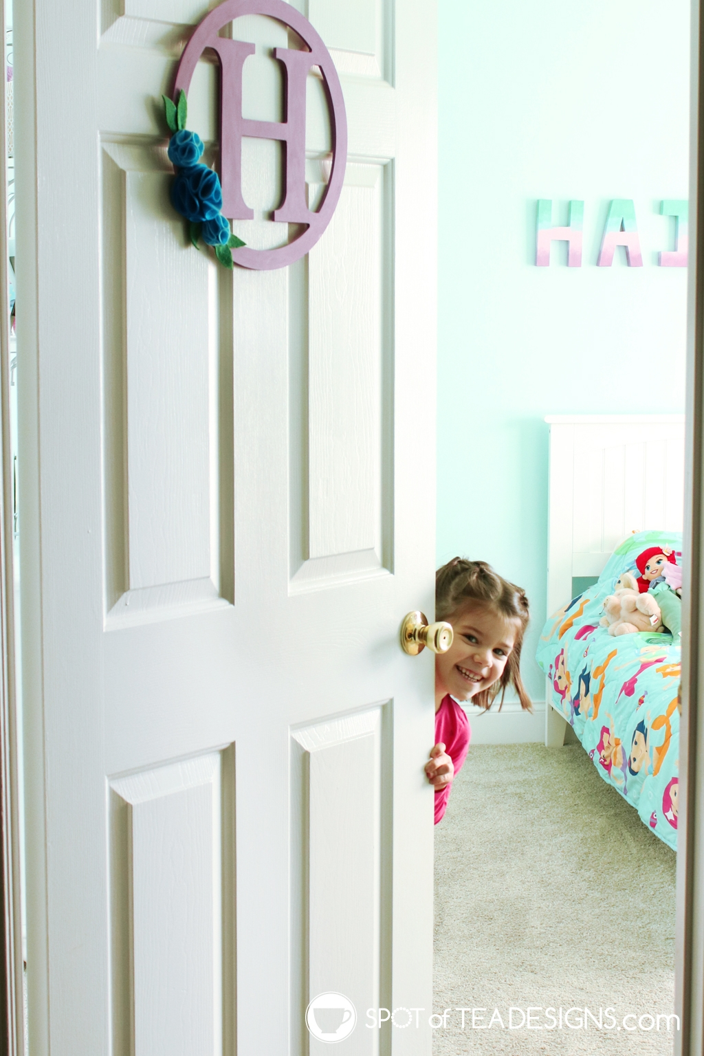 Home Tour - Preschooler's Mermaid Bedroom - peek a boo | spotofteadesigns.com