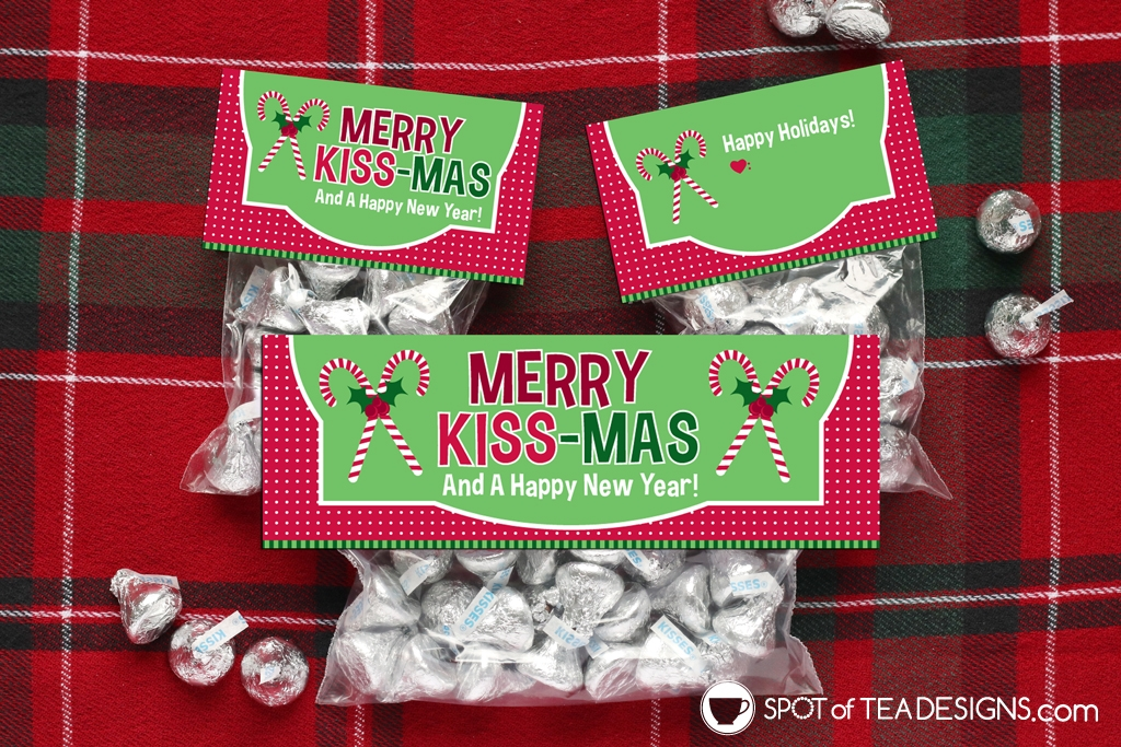 Printable Christmas Bag Toppers - Merry Kissmas | spotofteadesigns.com