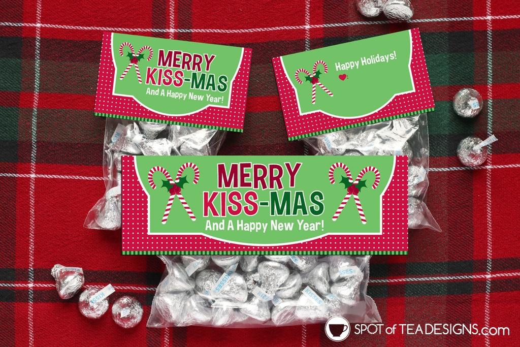 Printable Christmas Bag Toppers - Merry Kissmas | spotofteadesigns.com