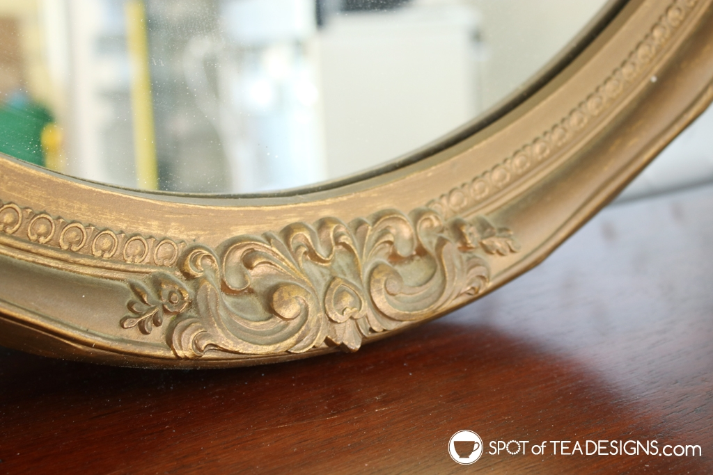 Entryway mirror makeover - estate sale find to beautiful mirror with white paint! | spotofteadesigns.com