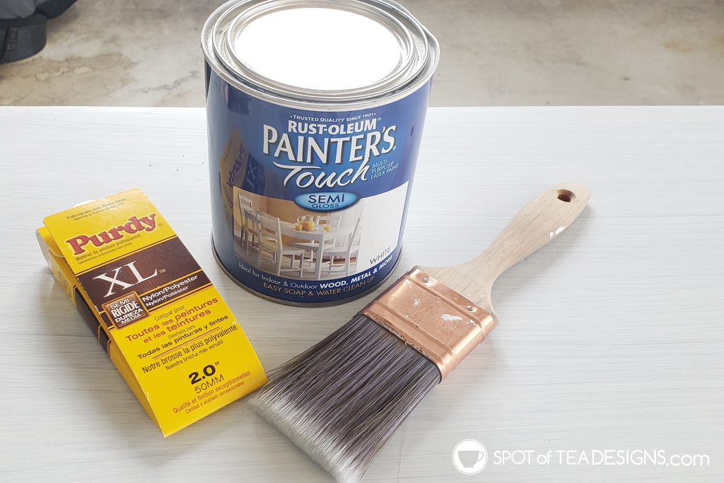 Entryway table makeover. Brown to white with step by step photos - semi gloss paint | spotofteadesigns.com