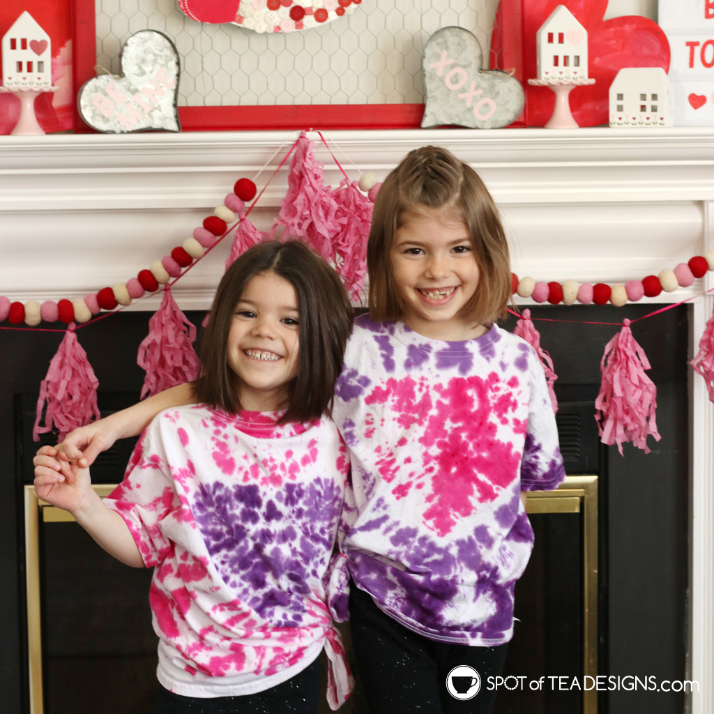 How to make heart tie dye t-shirts | spotofteadesigns.com