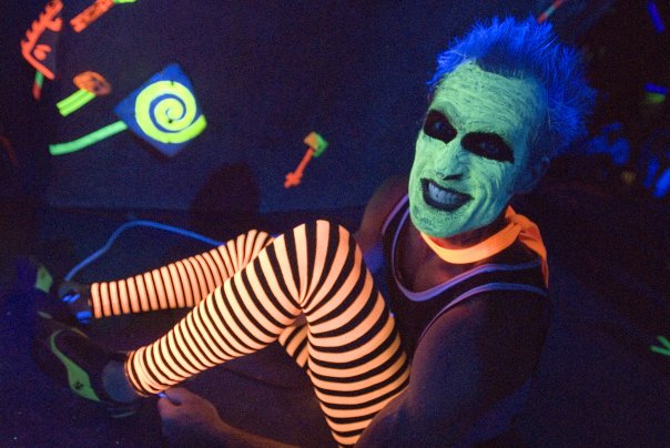 Psychedelia Blacklight Costumes What Glows And What