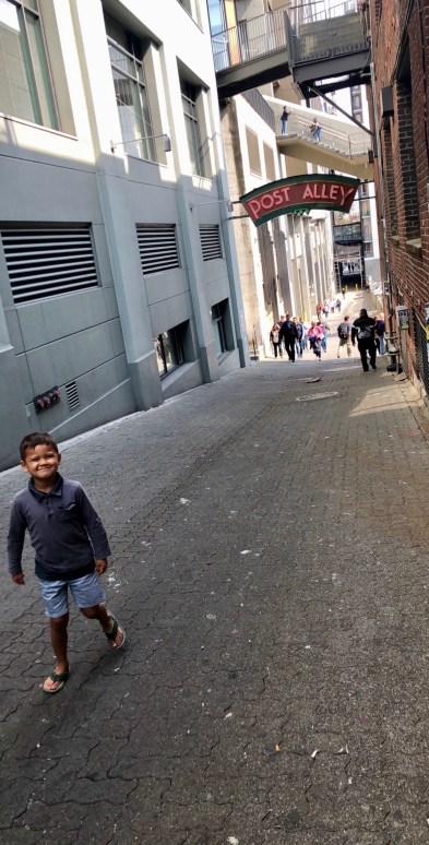 Family Travel Guide – Seattle: Pike Place Market / Post Alley – Spousesproutsandme.wordpress.com