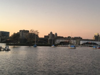 Travel Guide: Boston on a Budget - Charles River - www.spousesproutsandme.com