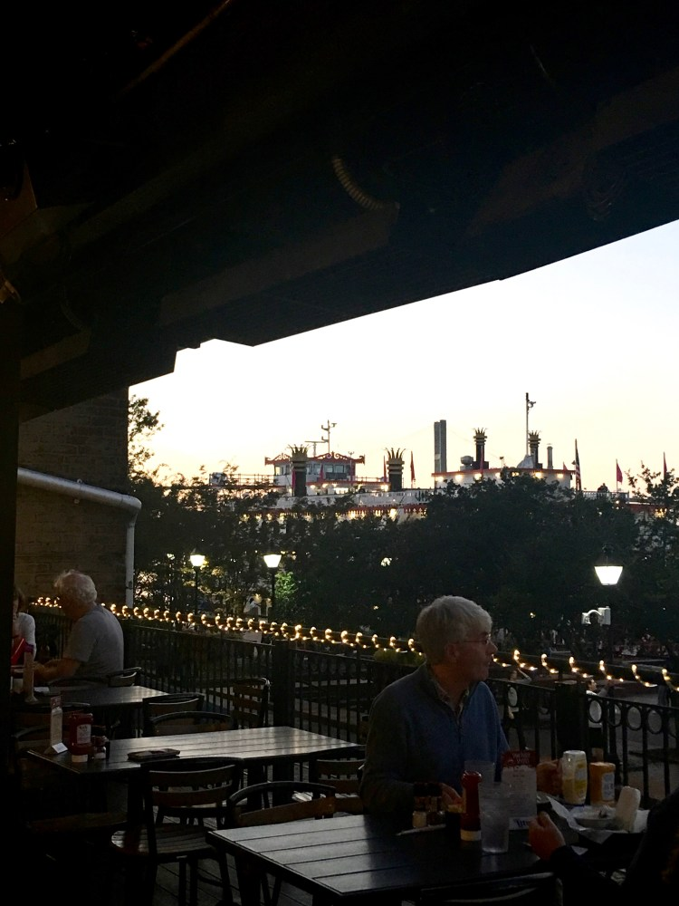 Travel Guide: Savannah, GA - Tubby's Seafood - www.spousesproutsme.com