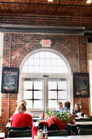 Family Travel Guide: Chapel Hill, NC - Elmo's Diner - www.spousesproutsme.com