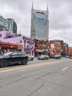 Honky Tonk Highway - Nashville Travel Guide - www.spousesproutsme.com
