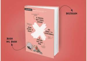 Cover des Buches 4 Fliegen mit einer Klappe. weisses, schräggestelltes Kreuz auf rosa Grund und der Titel in den vier Sprachen.