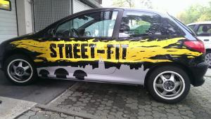Graffitiauftrag Street-Fit Auto