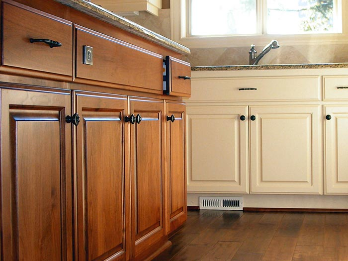 best paint for kitchen cabinets white colors all reviewed rh sprayertalk com best brand of paint for kitchen cabinets australia best brand of chalk paint for kitchen cabinets