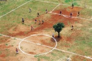 Zbog odgode utakmice najviše je razočaran Sammir jer na terenu u Gunji ima stablo na koje se može nasloniti dok se ne miče s centra igrališta